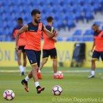 Imágenes del entrenamiento de la #UDLasPalmas esta tarde en el Estadio de Gran Canaria. #VamosUD https://t.co/fb4F0lidJ5