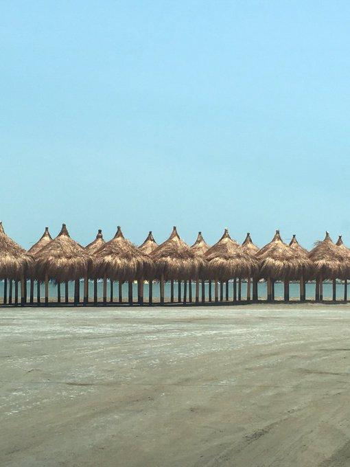 "Shakira @shakira: I call this part of the beach ""Tailandia"" Shak #LaBicicleta #tbt https://t.co/8cyNMSbNE7"