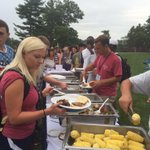 Time for a #SAC20 BBQ! Enjoy your first dinner on campus! 🌭🍔🍗 https://t.co/Hy0aLo4NJG