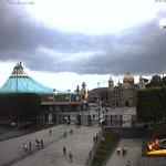 La impresionante nube de tormenta sobre Ciudad de México #CDMX se ve así ahora desde la Basílica de Guadalupe: https://t.co/n7KyAbozS5