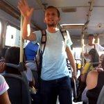 Desempregado, professor de história dá aulas em ônibus https://t.co/h4cNSno67e https://t.co/MWW0d5eQZA