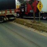 Acaban de bloquear ambos carriles en Hacienda Blanca #Oaxaca #MetropoliOax https://t.co/IFxsYrwGhc