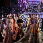 Manish Malhotra dazzles at Lakme FashionWeek https://t.co/zJfREsou3R https://t.co/M92b86gCHs