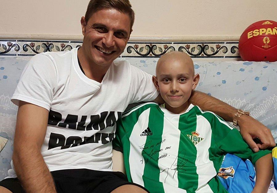 El golazo de @joaquinarte a la leucemia: busca donantes de médula ósea https://t.co/GBefdpGsDU https://t.co/HyZ3Usy5dO