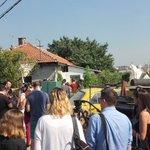 Na fejsbuk stranici inicijative #ndmbgd je u toku prenos je uživo ispred kuće Timotijevića https://t.co/M9UBL5ImoG https://t.co/2o5x5ARBia