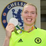 .@hedvig_lindahl and her #silver medal from the #Olympics! https://t.co/8xsIWvq7Zu