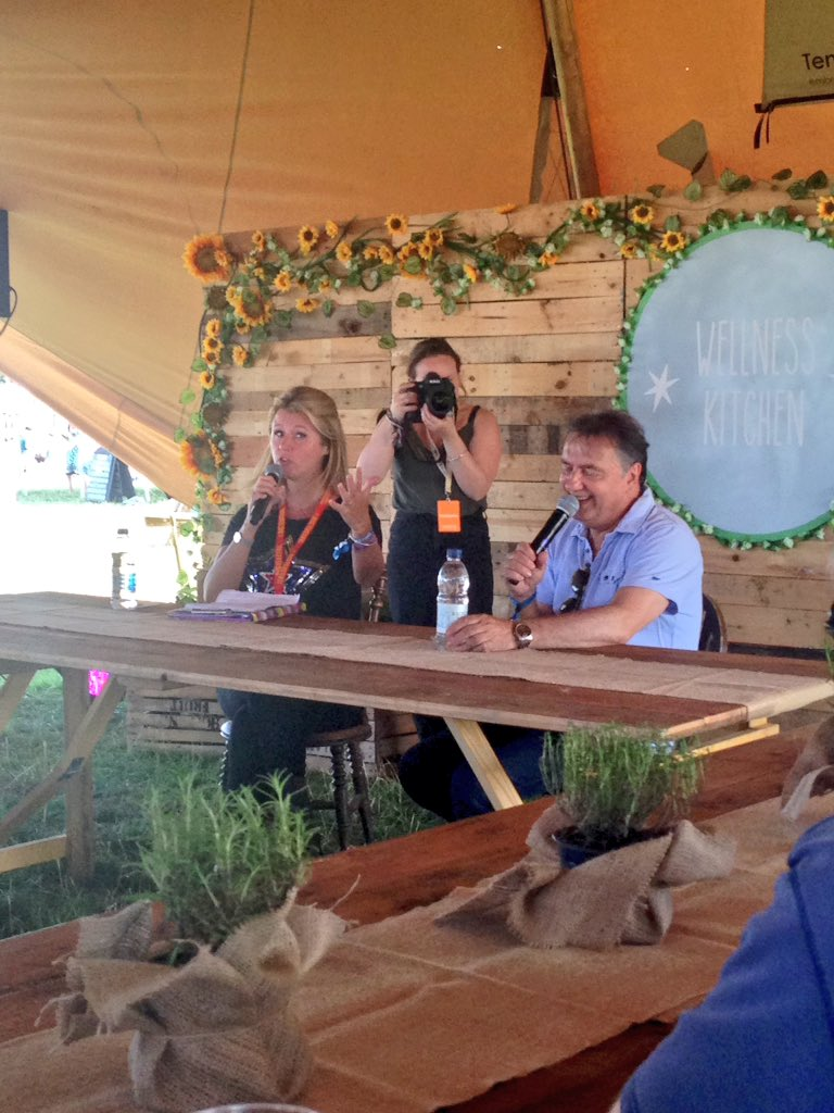 RT @raymond_blanc: A talk about #sustainability @thebigfeastival ,sun shining ,today is a beautiful day . @jamieoliver where are you ? http…