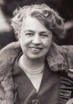 """""""No one can make you feel inferior without your consent.""""  –Eleanor Roosevelt https://t.co/oaB61a6zJi"""