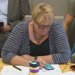 Politician caught playing #PokemonGo during a parliamentary hearing https://t.co/8Kr1Lx6fCN https://t.co/5lqVIczBbN