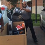 @ODUSports AD Bruce Stewart showing off the packing skills during move-in! @RandaleRichmond @ODUFootball https://t.co/PXEW84cvym