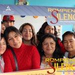 """[Chimbote] Padres de familia del colegio """"La Esperanza Baja"""" participan de la campaña #RompiendoElSilencio 🚫 #MiCOP https://t.co/7IldpfcGRG"""