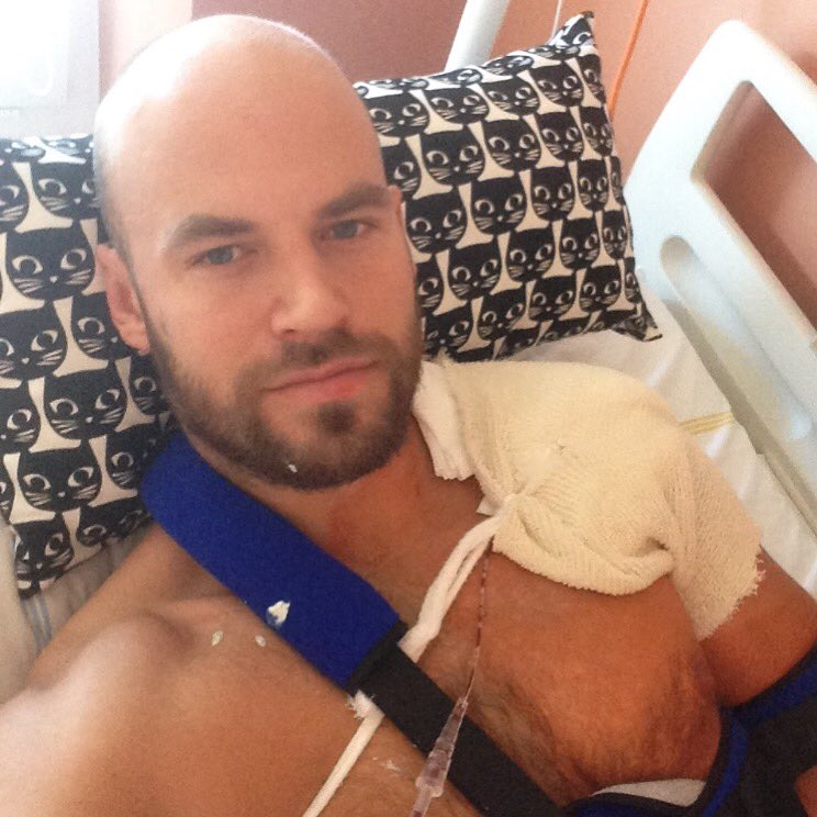 Radek Smolenak underwent surgery today after horrible Zakharchuk attack. @khl #VerniSlovanu #getwellsoon https://t.co/XO69D6boGN