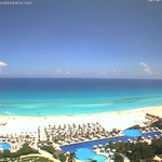 Un vistazo a #Cancún #QuintanaRoo. Temperatura: 32° C. Straming desde @liveaquacancun https://t.co/M5Ph4GYmEw https://t.co/rSDhWHJnYe