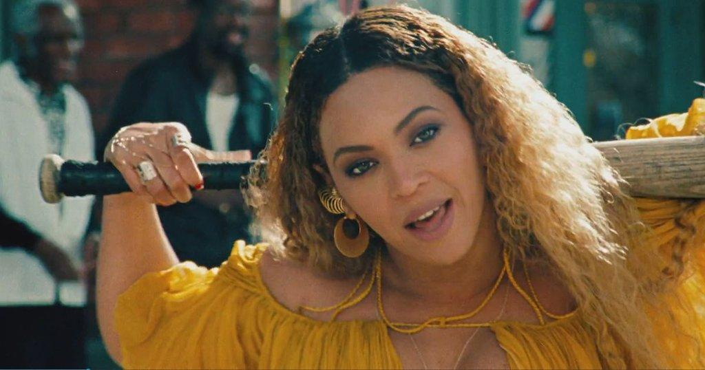 LET'S NOT FORGET ABOUT BEY'S #LEMONADE https://t.co/58DjOXCyoL https://t.co/otpLJazwpq