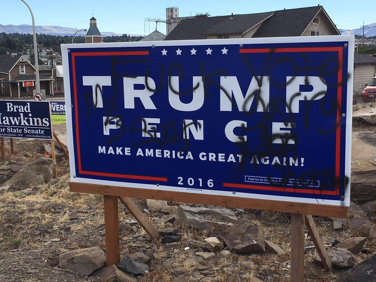 Trump signs defaced in Wenatchee https://t.co/9oC8sU0ex1 https://t.co/TfkglRiIap