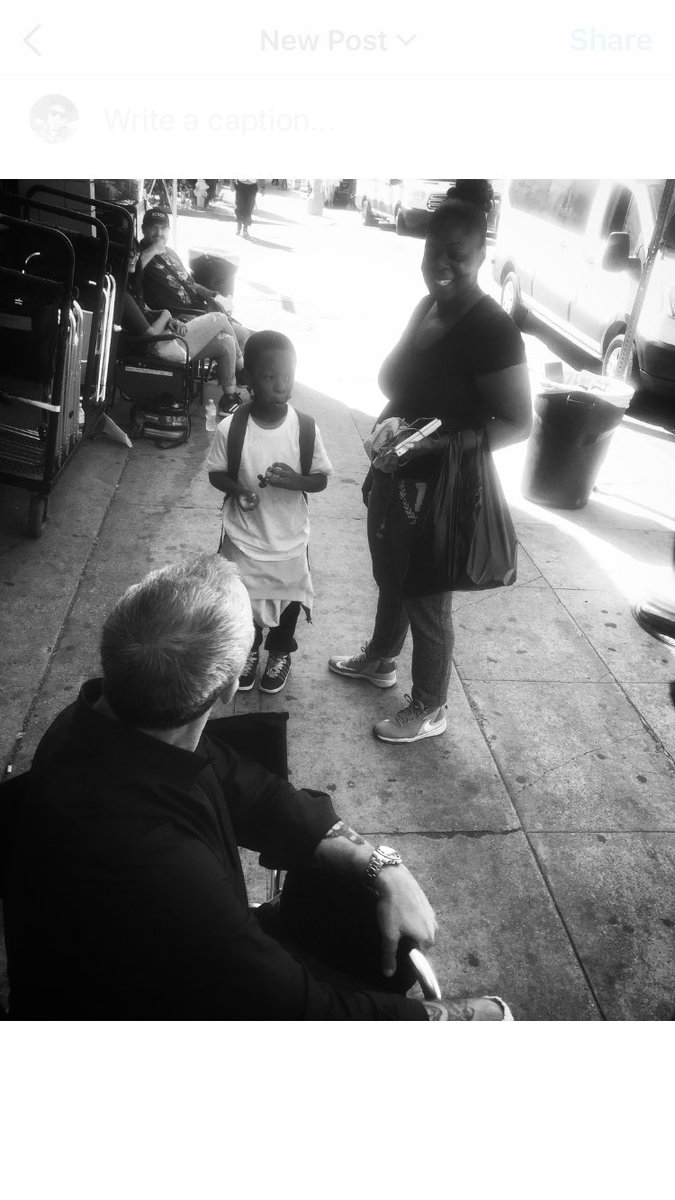 Filming on location this is Bosch himself @welliver_titus getting to know a kid in the community. He made their day. https://t.co/LtrW23exzF