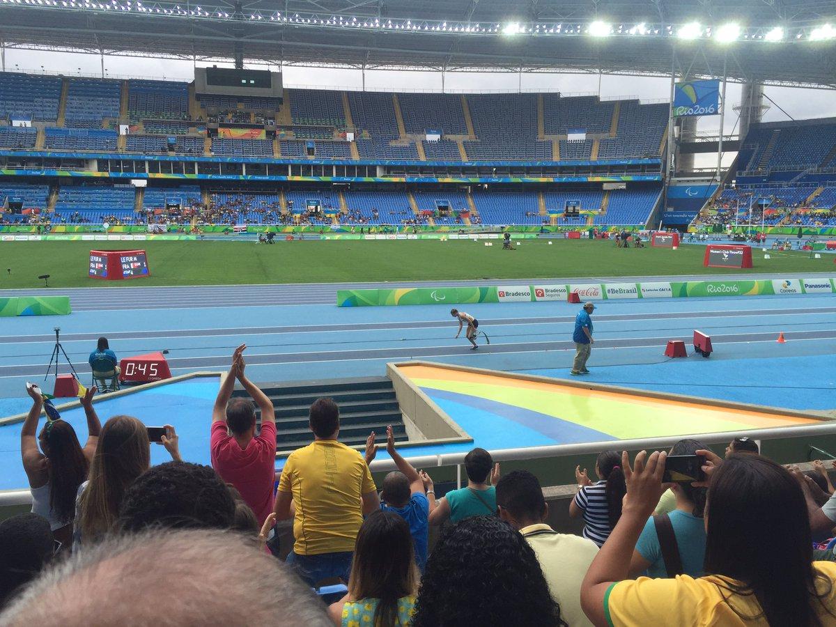 5,83 ! Wow nouveau record du monde pour Marie Amélie ! #AuPlusPrès #TeamSpirit @FraParalympique