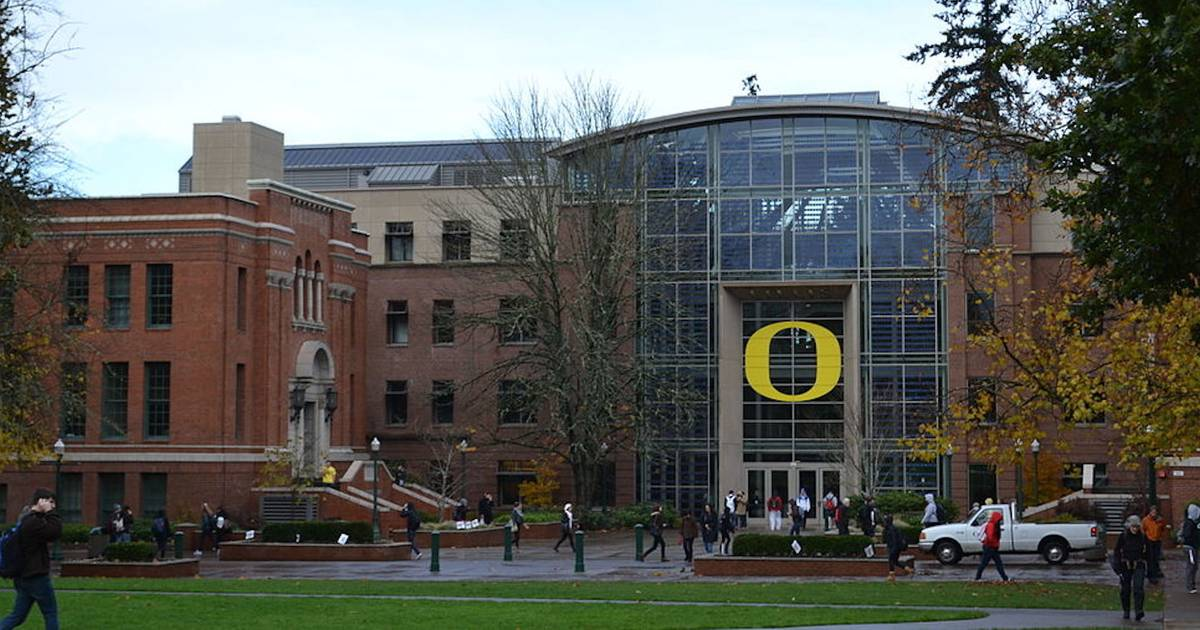 University of Oregon just voted to strip the name of a KKK leader from a dorm https://t.co/Lecr6xXHCv https://t.co/SJIypxQN2C