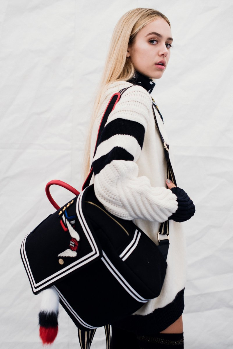 RT @TommyHilfiger: Ahoy sailor! @DelilahBellee is here to celebrate #TOMMYNOW! Catch all the looks: https://t.co/NfZZOMR0ld https://t.co/Ee…