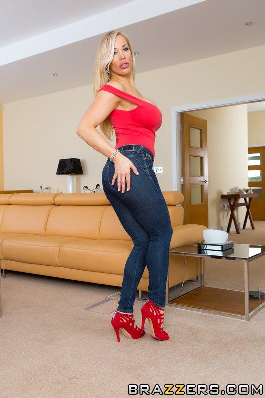 Buxom European MILF Rebecca Moore taking cumshots in MMF threesome  358430