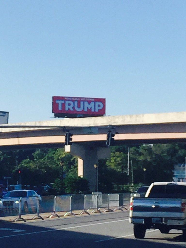 Giant billboard at the I-110/U.S. 98 interchange near the Trump venue https://t.co/AKGNRZx5Z1