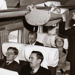 هكذا كان وضع الاطفال  في بداية عهد الطيران التجاري! https://t.co/7ikduQfC5Z
