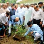 BJP National President, Shri @AmitShah and other senior BJP Leaders planting saplings at 11, Ashok Road, New Delhi. https://t.co/fWd4T9L47O