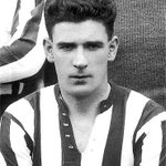 📆 #onthisday in 1925 David Halliday scored 2 goals on his debut– he added a 8 further in his next 3 games for #SAFC https://t.co/B9qYZvKoSB