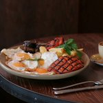 #Bankholiday #Breakfast at our #Casa: the full Spanglish sharing breakfast is back #southkensignton #casabrindisa https://t.co/MX2QMNSdtm