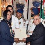 A well deserved Khel Ratna Award 👏 👏 👏 for our @Pvsindhu1 https://t.co/RkA5o01EcH