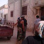 مقاتل من #الجيش_الحر يلتقي بأهله داخل مدينة #حلفايا المحررة بعد فراق دام سنوات 😍😍😍😍 https://t.co/pMqIK1JLsQ