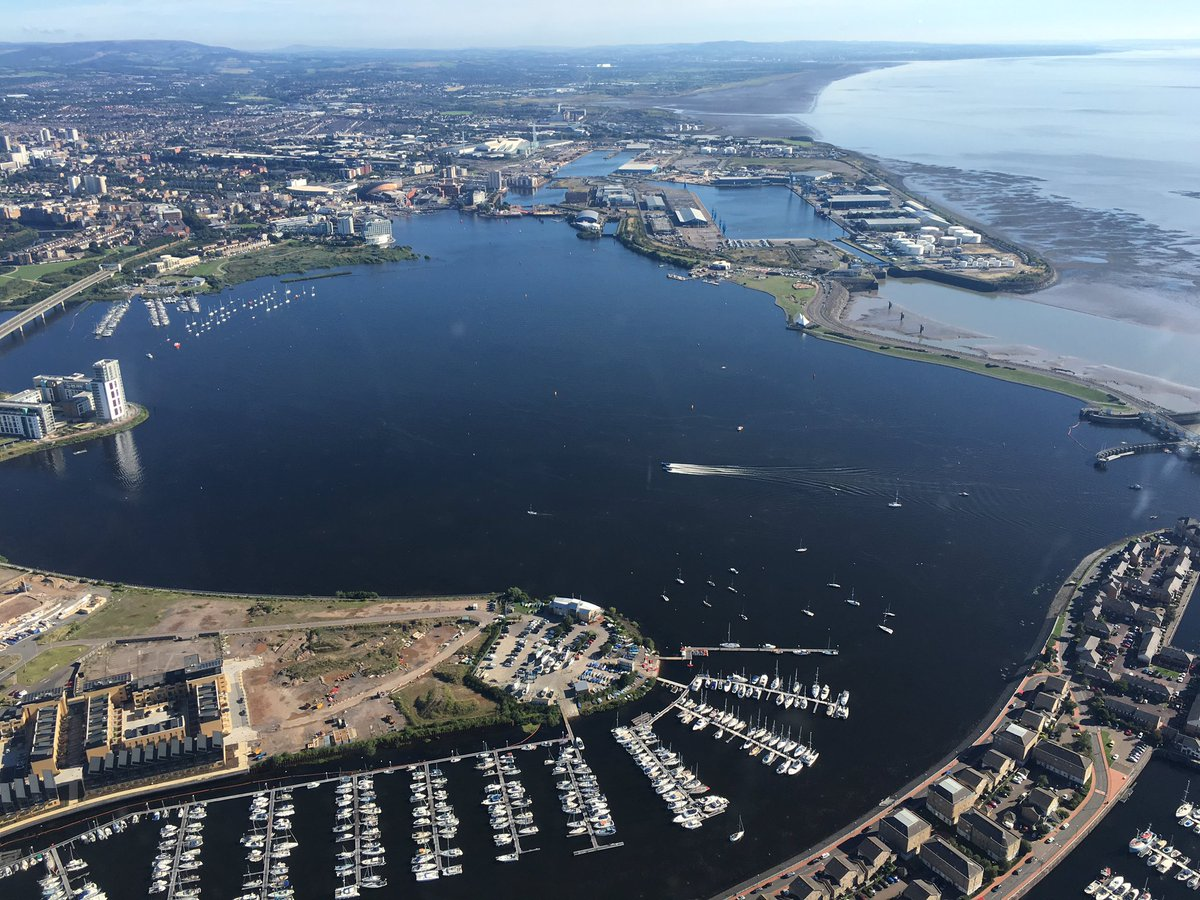 Cardiff Bay looking stunning in the sun today. @VisitCardiffBay #CardiffHarbourFestival #P1Wales this afternoon ☀️