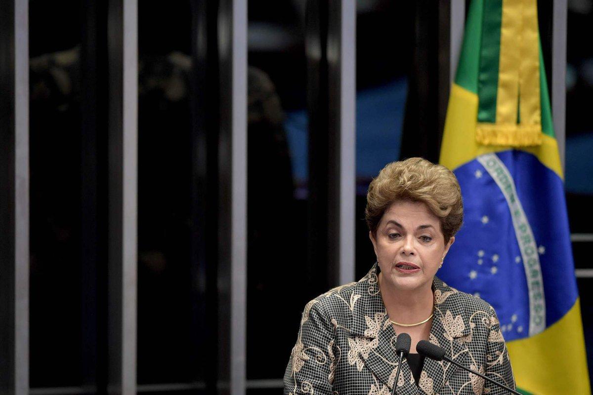 Dilma: 'Por duas vezes vi de perto a face da morte. Hoje eu só temo a morte da democracia'. Foto: Evaristo Sá/AFP