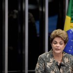 "Dilma: ""Por duas vezes vi de perto a face da morte. Hoje eu só temo a morte da democracia"". Foto: Evaristo Sá/AFP https://t.co/rX0fGJdrjb"