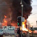 URGENTE: Grave incendio afecta locales comerciales en calle 12 oriente con 1 sur en Talca. https://t.co/AppHBJIRjP