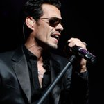 [VIDEO] Marc Anthony se desmoronó en el escenario por muerte de Juan Gabriel https://t.co/D4qekdt8nm https://t.co/W6vgGet5H3
