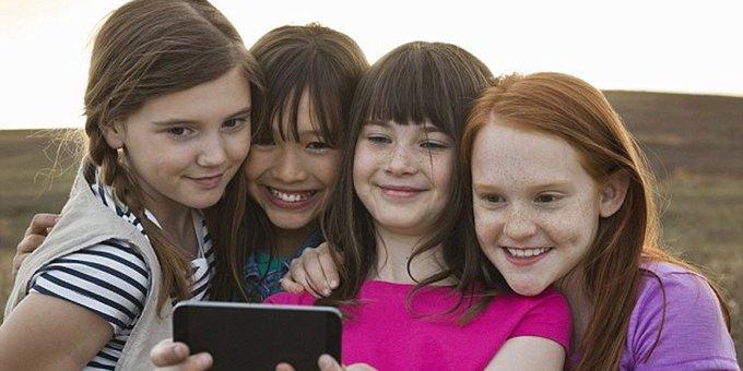 Estudio holandés dice las selfies aumentan el contagio de piojos entre alumnos