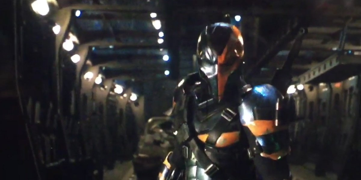 """That Deathstroke shot... it's on the Justice League team vehicle a.k.a. the """"Flying Fox"""" https://t.co/oUjaToQyql https://t.co/wbEHTPtSNF"""