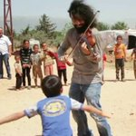 Armenian Violinist Ara Malikian Plays for #SyrianRefugees https://t.co/5t1TCMv9NP #MotivationMonday #MusicDiplomacy https://t.co/pfbsZtfj1r