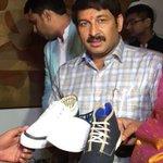 अगर आप खादी के ये जूते पहनोगे तो आप स्वदेशी को समर्थन दोगे और किसी न किसी भारतीय भाई बहन को रोज़गार भी मिलेगा..2/3 https://t.co/sDacDsLznN