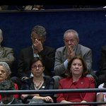g1: Lula acompanha discurso de Dilma ao lado de Chico Buarque e ex-ministros https://t.co/dyzUoTqqhO #políticaG1 https://t.co/lxp8jgVmeN