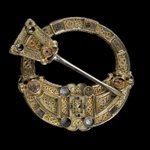 The 1,300 year old Hunterston brooch is 1 of the finest early medieval Celtic artefacts (On display @NtlMuseumsScot) https://t.co/FmdwuDJSC5