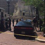 PHOTOS: Police on Monument Circle downtown after suspicious package reported https://t.co/veGPuPDE6W https://t.co/M6Xu5wqnfA