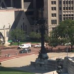 BREAKING: Man detained after suspicious package was left on Monument Circle. https://t.co/qPWIFVD4sp https://t.co/TRGQKRmtkZ