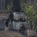 Members of the bomb squad are searching for a suspicious package on the Monument. @rtv6 https://t.co/3hU53ClFCY