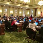 Applause breaks out as Assembly sends #AB1066 (farm worker overtime) to @JerryBrownGov by vote of 44-32 https://t.co/Kwiej8OxeA