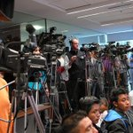 "Gobierno prohíbe acceso a periodistas internacionales que cubrirán ""Toma de Caracas"" https://t.co/eO7lasKZPd https://t.co/e1h2RLOifn"