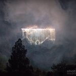 The beautiful waterfall during the #VMFireworks concert @edintfest (by Callum Ollason) https://t.co/CjSkoCyiaT
