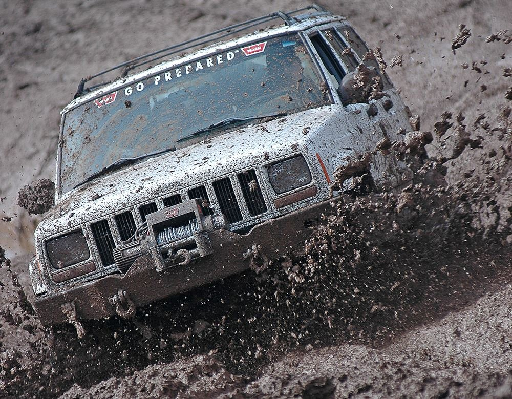 Who doesn't love a muddy XJ? #muddymonday #jeep #xj https://t.co/p211AZR57O
