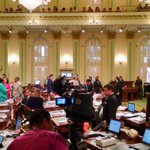 CA Assembly sends #AB1066 -farm worker overtime after 8 hours to @JerryBrownGov @KFBK https://t.co/xqf81bcDnl https://t.co/ZSa0DgeKpb